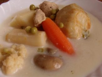 tárkonyos raguleves, savanyú leves, tárkonyos csirkeragu