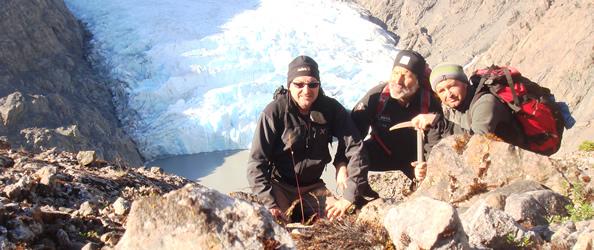 Alberto Simiele, Sandro Barattin e Emilio Dalla Rosa su Cima Diana sopra il ghiacciaio S. Lucia
