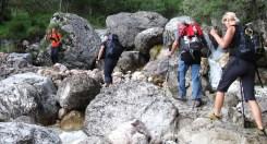 Si attraversa il torrente Pezzea