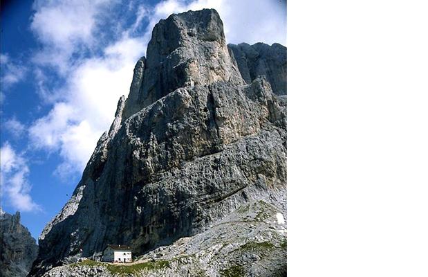 Lo Spigolo del Velo e il rifugio Velo della Madonna