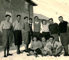 Ninì allo Stelvio con gli olimpionici di Lake Placid tra i quali, terzo da sinistra, Gino Soldà