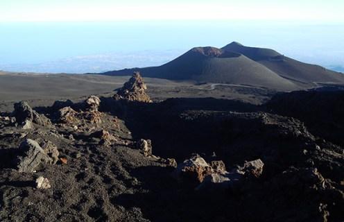 Vista sui crateri Escrivà e Montagnola (ph di Claudio Loreto)