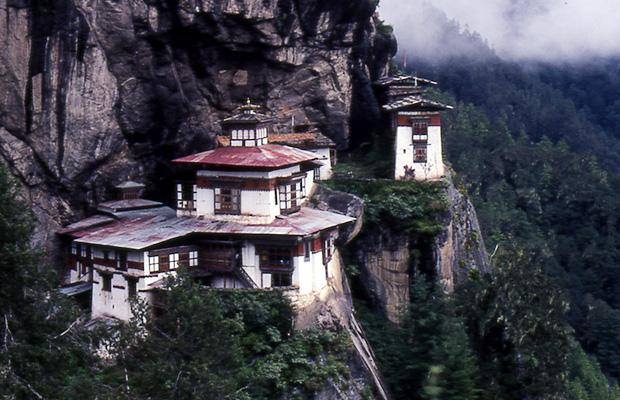 Il Taktshang (Nido della Tigre).