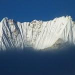 13. Una visione originale e inattesa del Siniolchun dall'alto del Sinvo Glacier