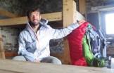 Un bivacco che mi ha offerto riparo dall'acqua su un passo della Val Senales, 8 luglio