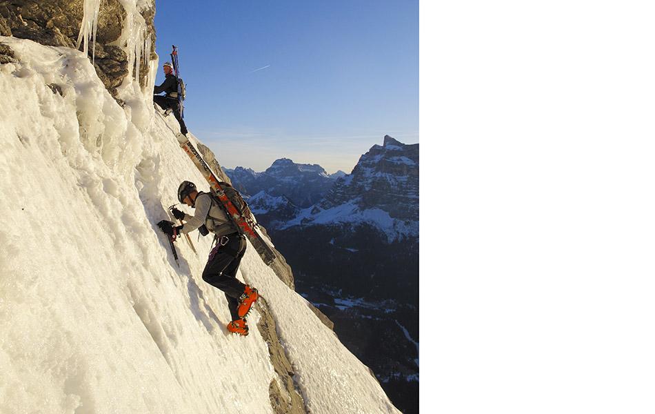 3. Neve perfetta che dà sicurezza, sul traverso iniziale della via normale al Civetta (ph. Loris De Barba)