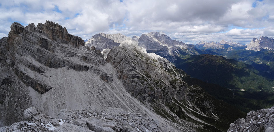 Dalla cima della Gardesana verso Tamer, Moiazza e Civetta