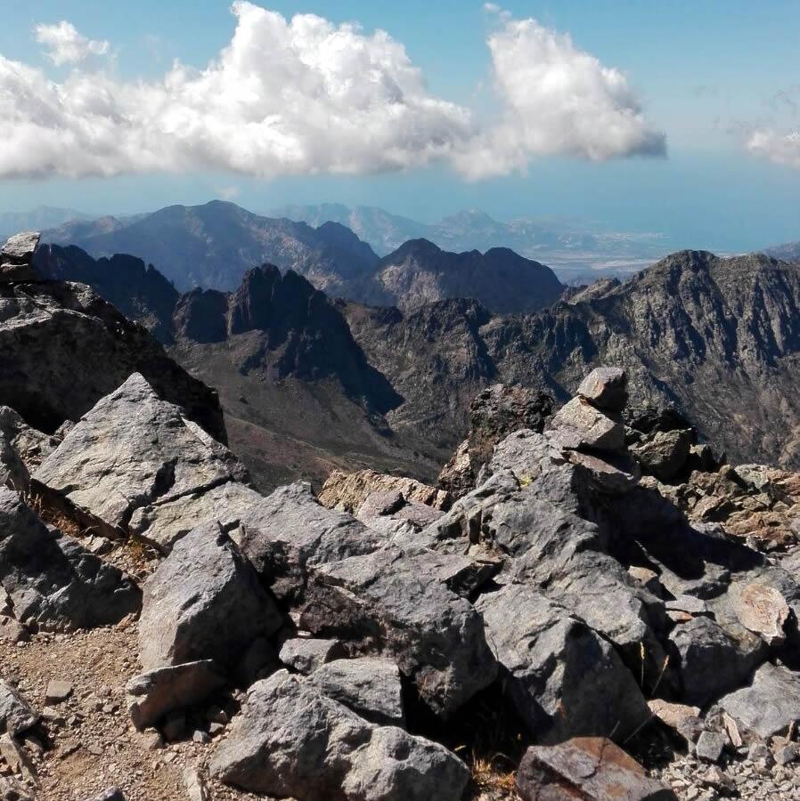 Tanti i posti dove nascondersi sul Monte Cinto