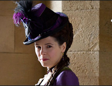 Elaine Cassidy as Katherine