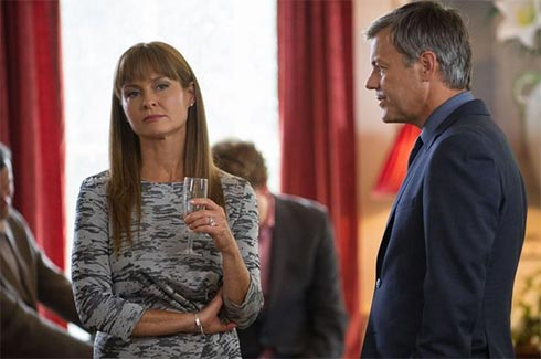 Felicity and Gary argue