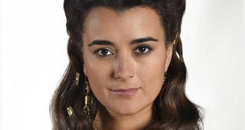 Cote de Pablo in The Dovekeepers
