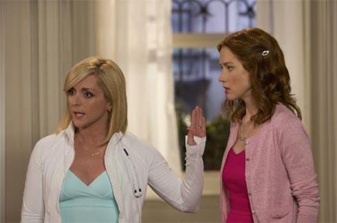 Jane Krakowski and Ellie Kemper in Unbreakable Kimmy Schmidt