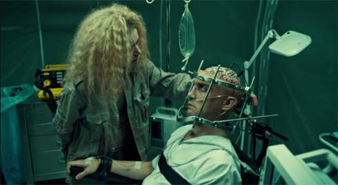 Helena sees that Parsons' brain is exposed
