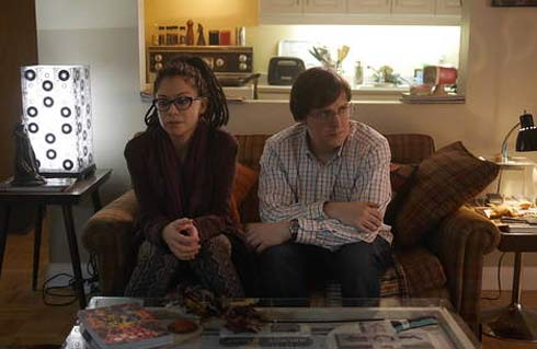 Cosima and Scott in Scott's apartment