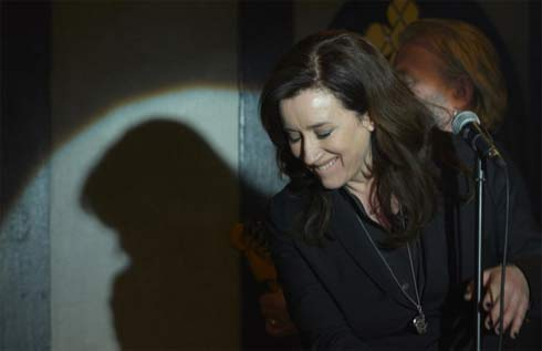 Maria Doyle Kennedy singing in Orphan Black