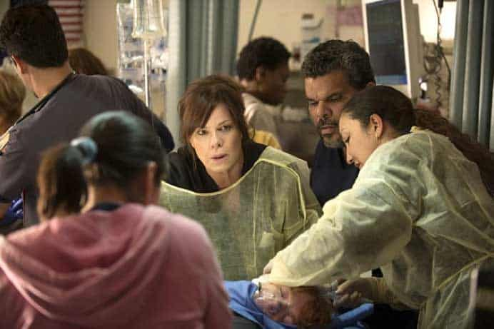 Still of Marcia Gay Harden and Luis Guzmán in Code Black