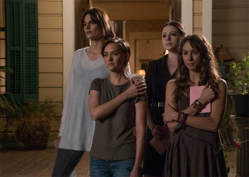 Michelle Trachtenberg, Troian Bellisario, Stana Katic, and Jess Weixler in Sister Cities
