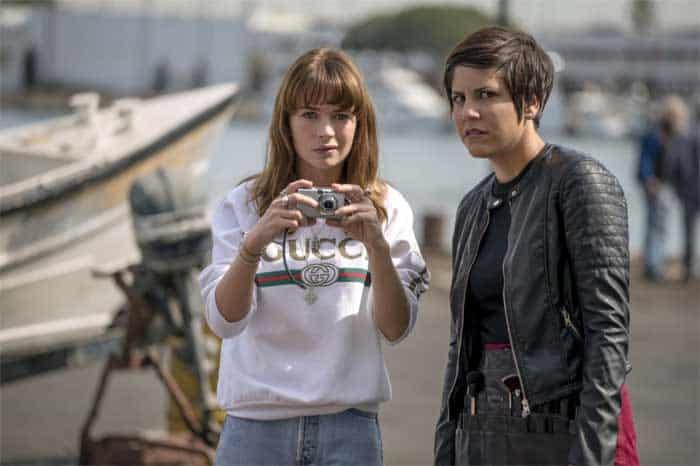 Britt Robertson and Ellie Reed in Girlboss