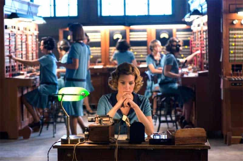 a scene showing cable girls at work from Cable Girls