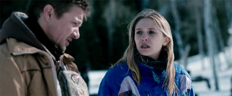 Jeremy Renner and Elizabeth Olsen in Wind River