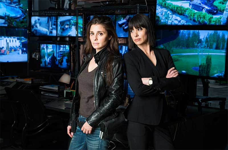 Shiri Appleby and Constance Zimmer in UnREAL