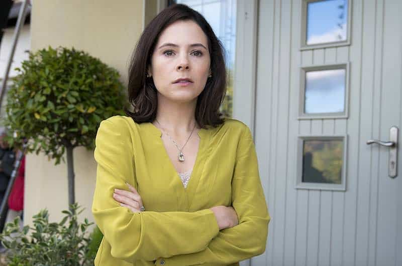 Elaine Cassidy in Acceptable Risk
