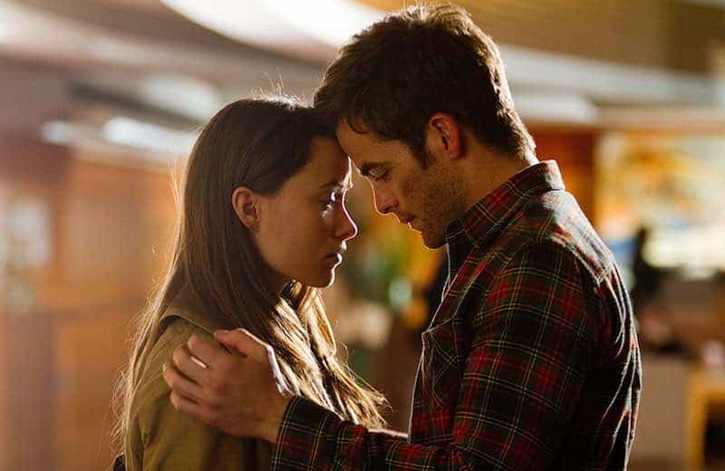 Olivia Wilde and Chris Pine in People Like Us