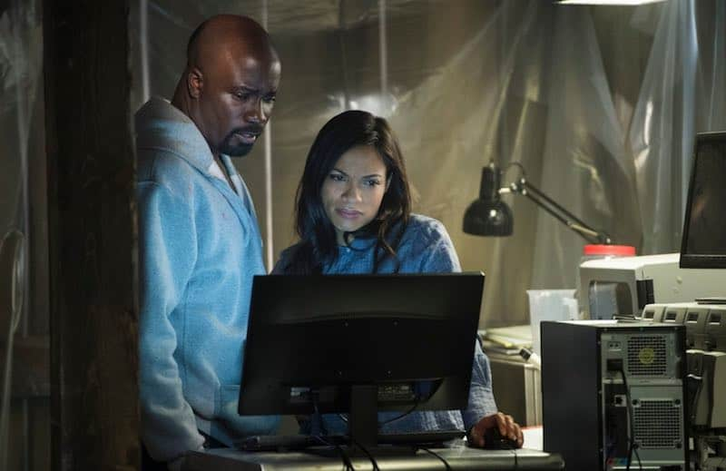 Mike Colter and Rosario Dawson in Luke Cage
