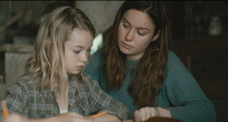 Brie Larson and Shree Crooks in The Glass Castle