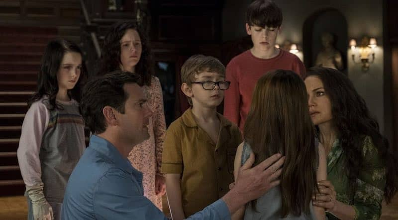 Henry Thomas and Carla Gugino in The Haunting of Hill House.