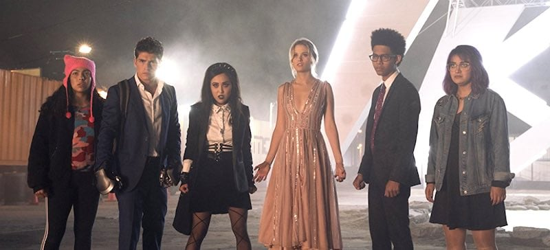 Gregg Sulkin, Ariela Barer, Lyrica Okano, Virginia Gardner, Allegra Acosta, and Rhenzy Feliz in Runaways