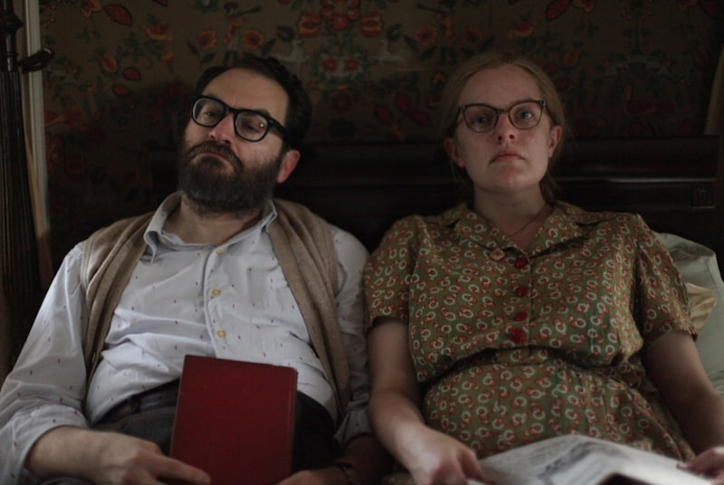 Elisabeth Moss and Michael Stuhlbarg in Shirley