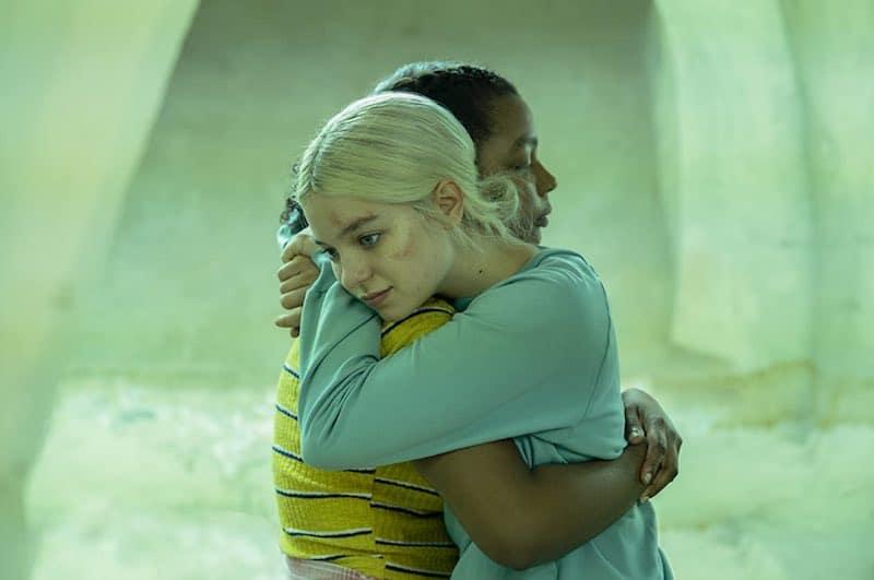 Esme Creed-Miles and Yasmin Monet Prince in Hanna