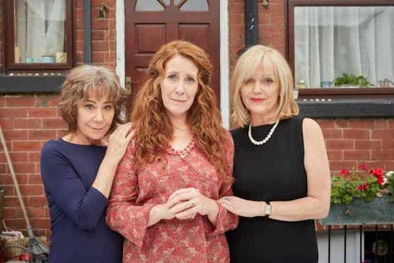 Miranda Richardson, Phyllis Logan, and Zoë Wanamaker in Girlfriends