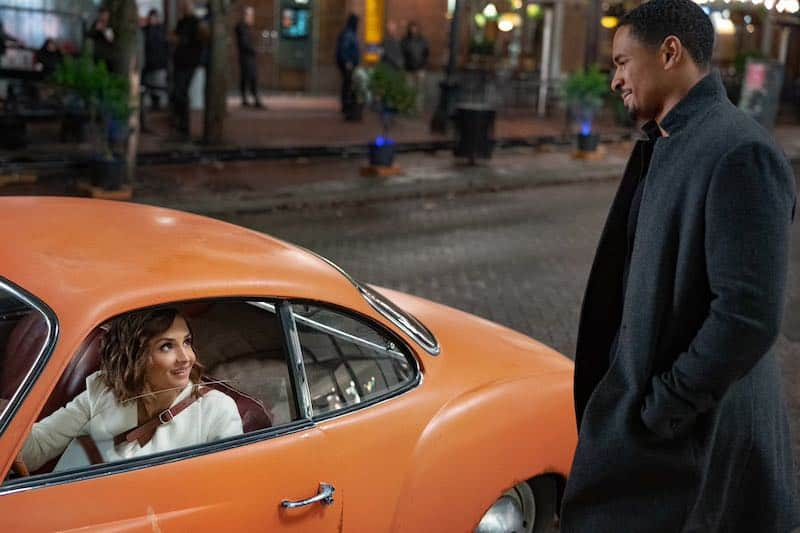 Rachael Leigh Cook and Damon Wayans Jr. in Love, Guaranteed with the Karmann Ghia