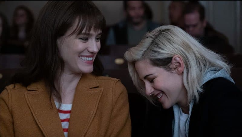 Mackenzie Davis and Kristen Stewart in Happiest Season