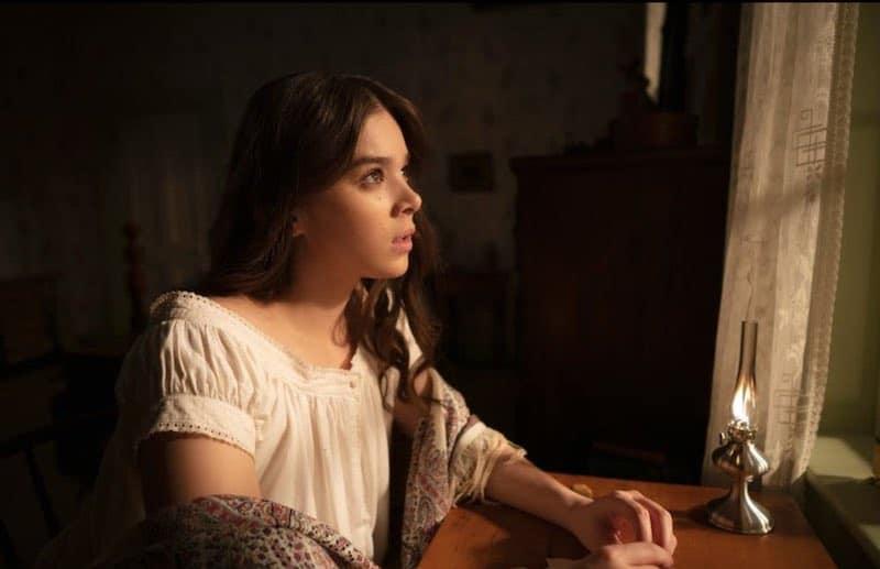 Hailee Steinfeld in Dickinson