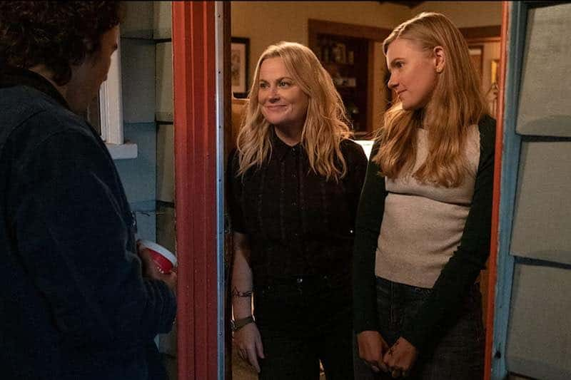 Amy Poehler and Hadley Robinson in Moxie.