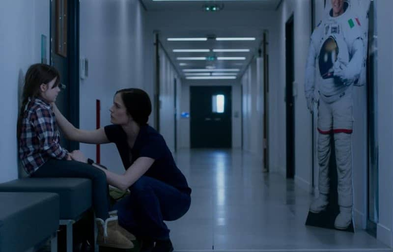 Eva Green and Zélie Boulant in Proxima