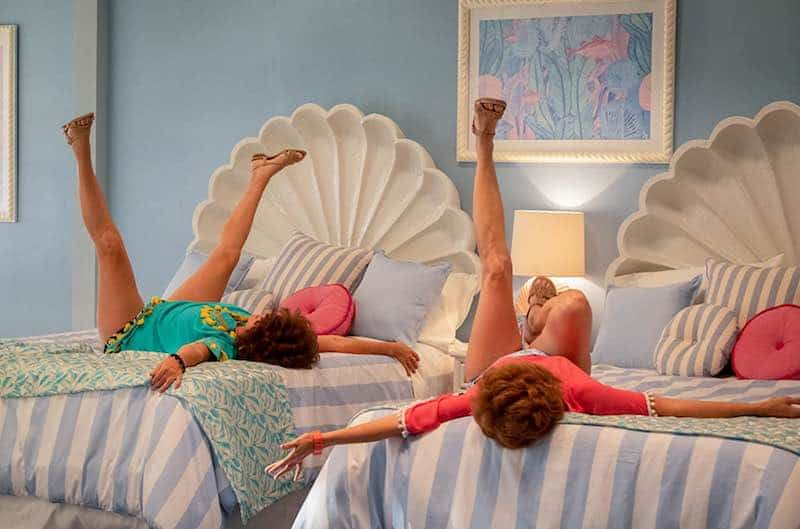 Kristen Wiig and Annie Mumolo in Barb and Star Go to Vista Del Mar