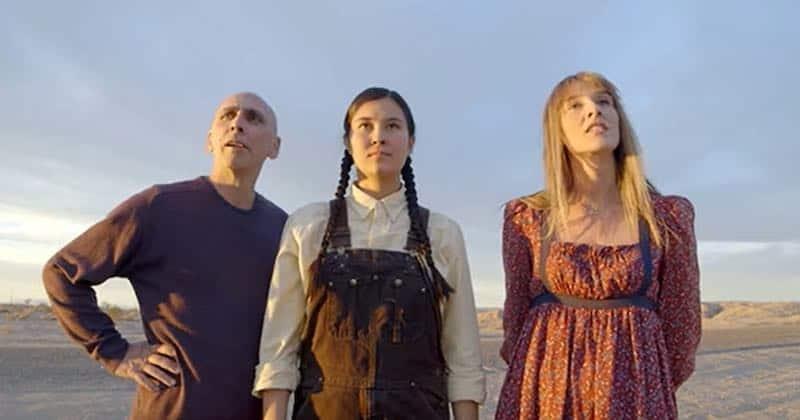 Alexandra Kotcheff, Phil Parolisi, and Hannah Leder in The Planters