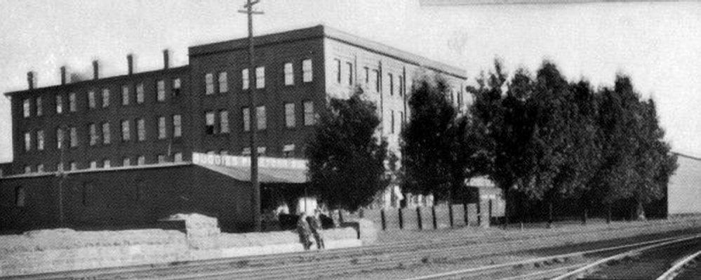 Pictures of old Brockville Industrial Factories (6/6)
