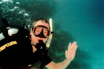 Henry Malmgren diving on the Great Barrier Reef