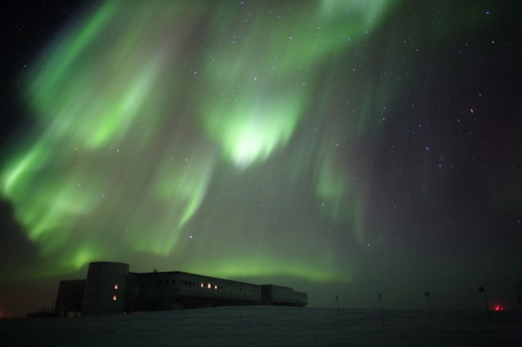 green auroras over the south pole station