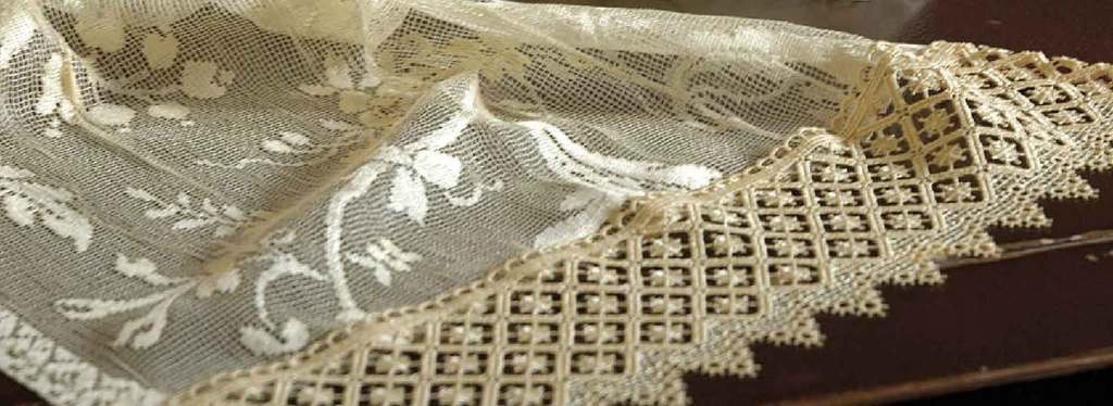 Olde Worlde Lace Lace Curtains Imported And Domestic