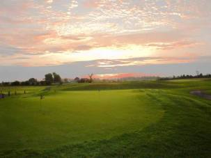 Cloverdale Links sunrise over putting