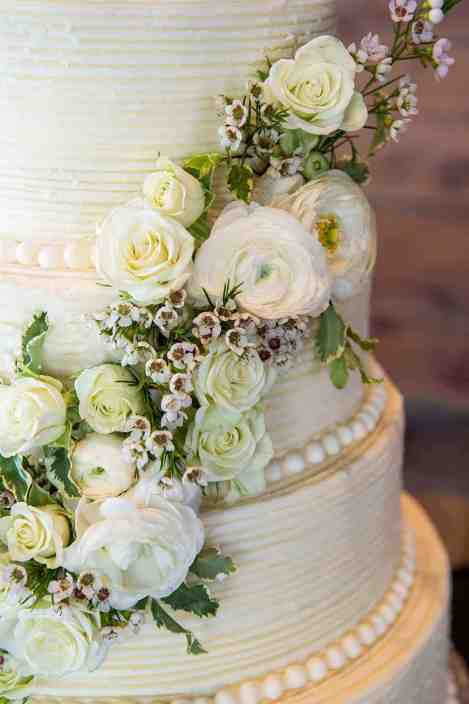 wedding-cake-floral-details-old-glory-ranch-texas-hill-country-venue