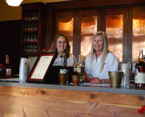 bartenders-old-glory-ranch-hill-country-wedding-venue-near-austin