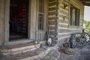 historic-Log-Cabin-BnB-old-glory-ranch-Wimberley