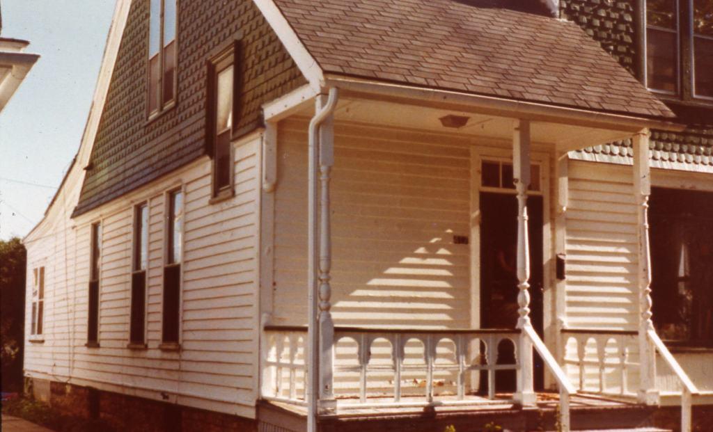 417 Algona, Elgin - Before (1975) | Old House Porches - Dan Miller